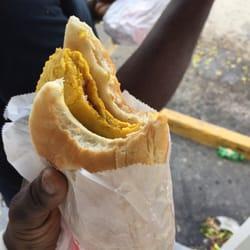 Dave S Jamaican Bakery Restaurant