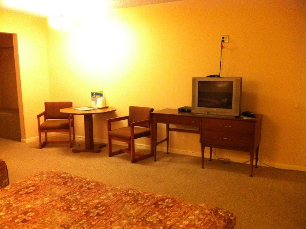 Bell Motor Inn & Restaurant: US hwy 26 W, Bridgeport, NE