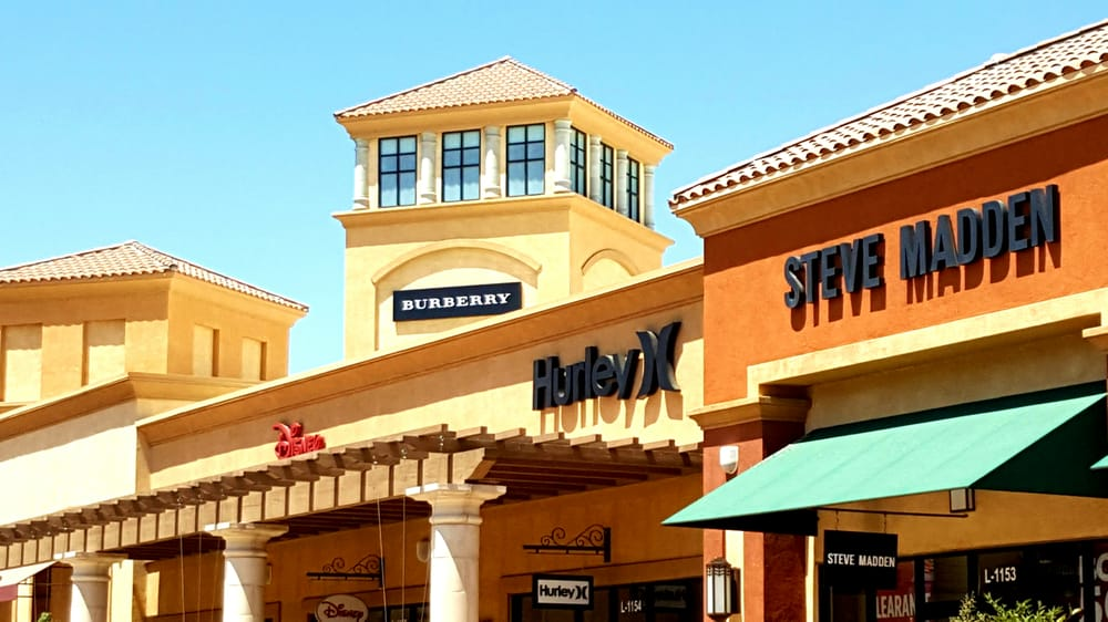 burberry cabazon outlet ryzw  Photo of Desert Hills Premium Outlets