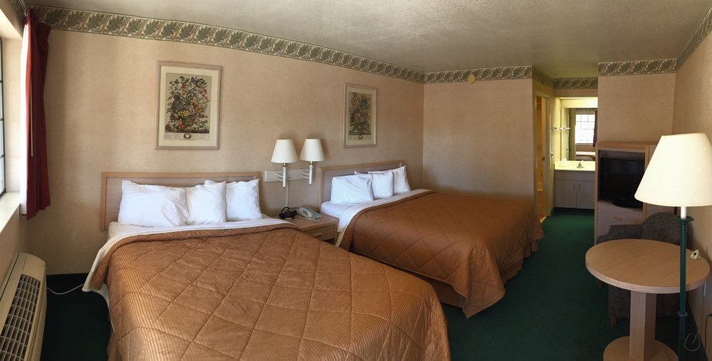 Safford Inn & Suites: 520 E US Highway 70, Safford, AZ