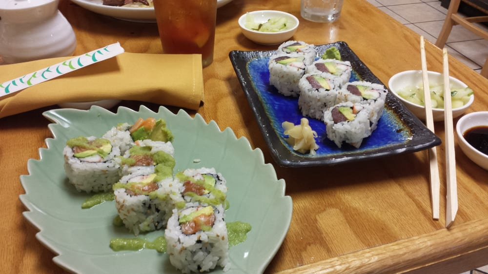Sushi Mama: 424 Newtown Rd, Virginia Beach, VA