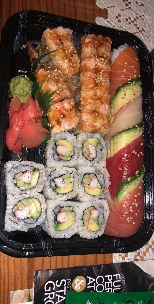 Sogo Sushi: 20 Hope Plz, West Coxsackie, NY