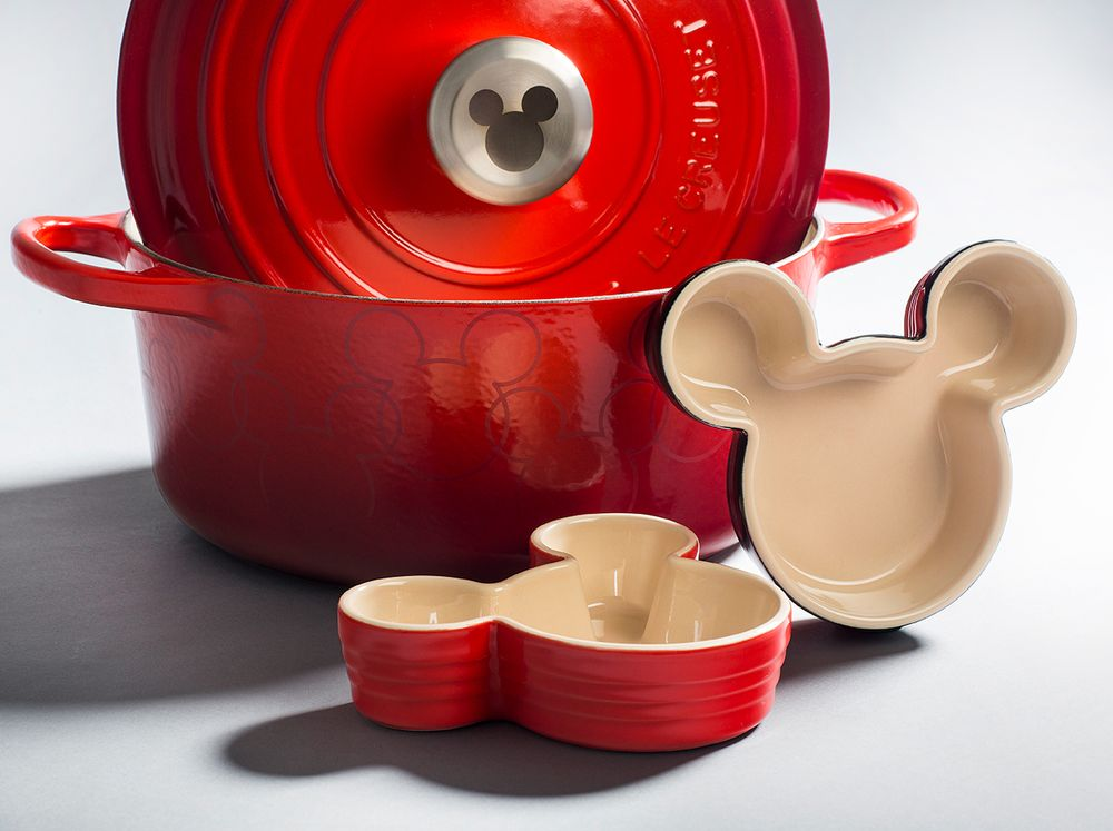 Le Creuset Outlet Store: 5701 Outlets At Tejon Pkwy, Tejon Ranch, CA