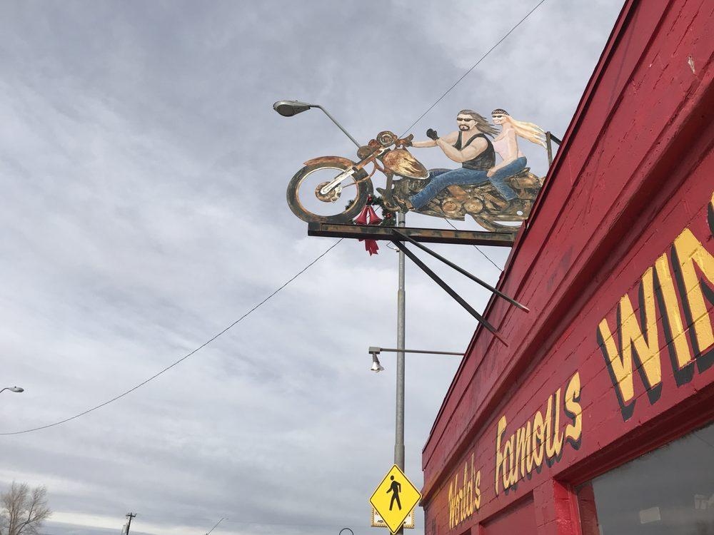 Winners Circle Bar: 466 Navajo Blvd, Holbrook, AZ