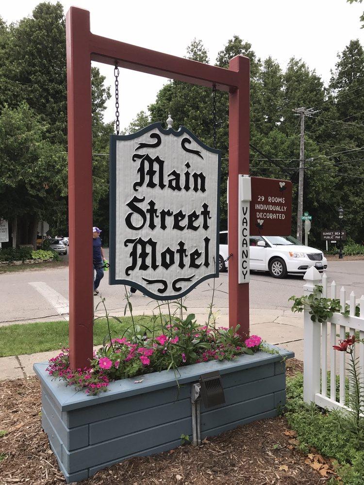 Main Street Motel: 4209 Main St, Fish Creek, WI