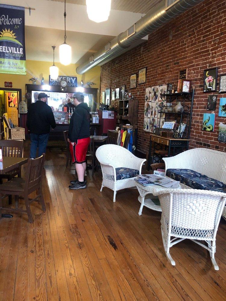 Art&Joe: 105 E Main St, Steelville, MO