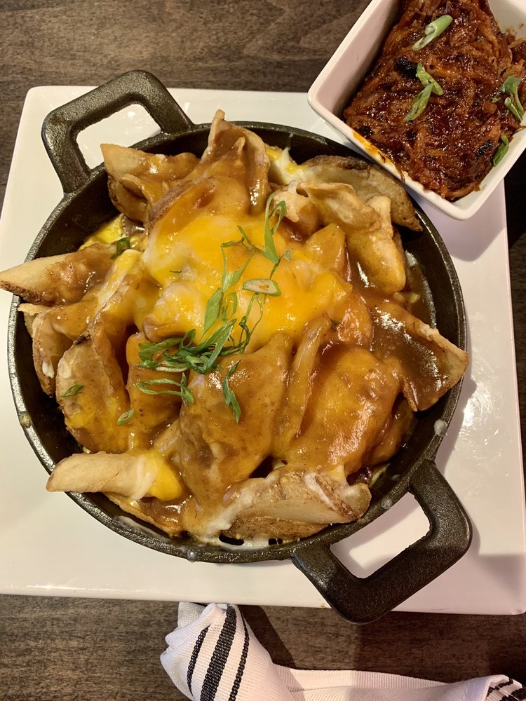 Drifters Kitchen & Bar: 1600 Middle Country Rd, Ridge, NY
