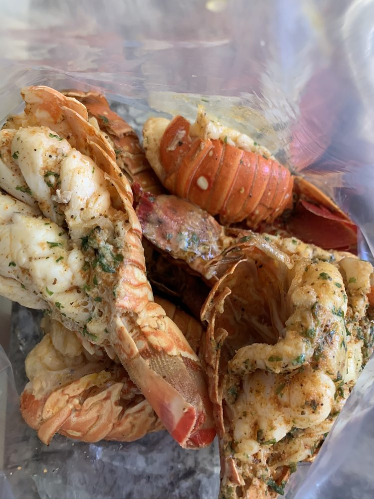 Food from Crabman 305 Miami
