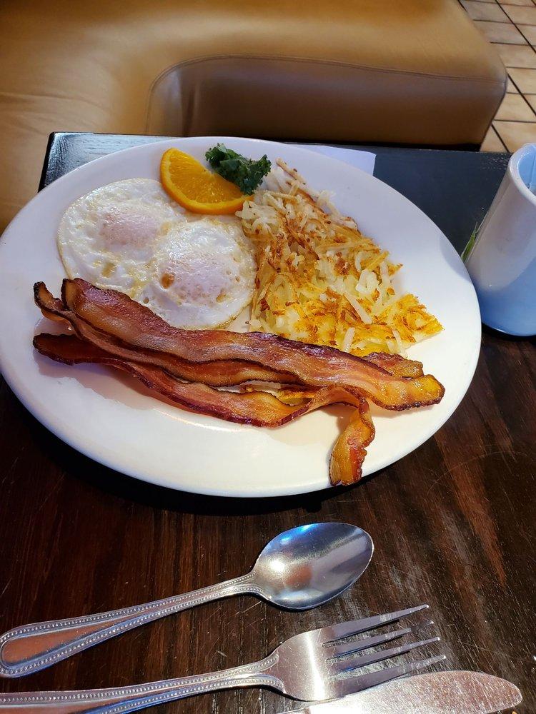 Copper Kettle Cafe: 600 E Wendover Blvd, Wendover, UT
