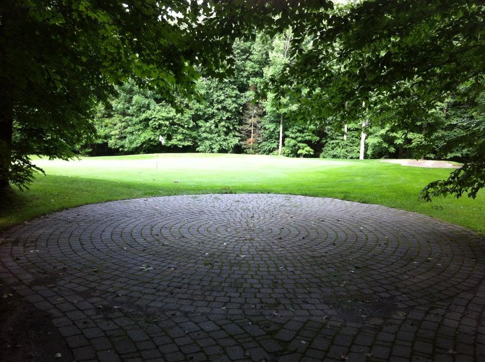 Clinton Golf Course: Hill Rd, Clinton, ME