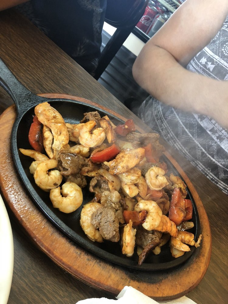El Rincon Mexicolombiano Restaurant: 6300 White Horse Rd, Greenville, SC