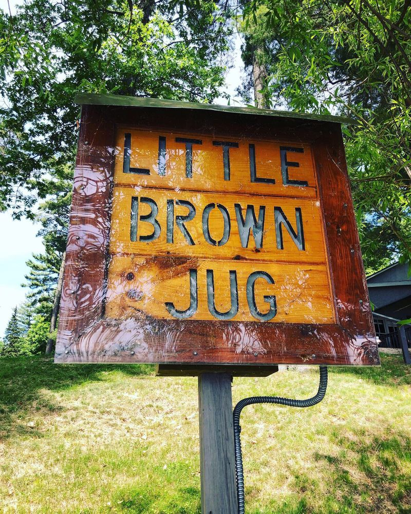 Little Brown Jug: 8616 Lambert Rd, Minocqua, WI