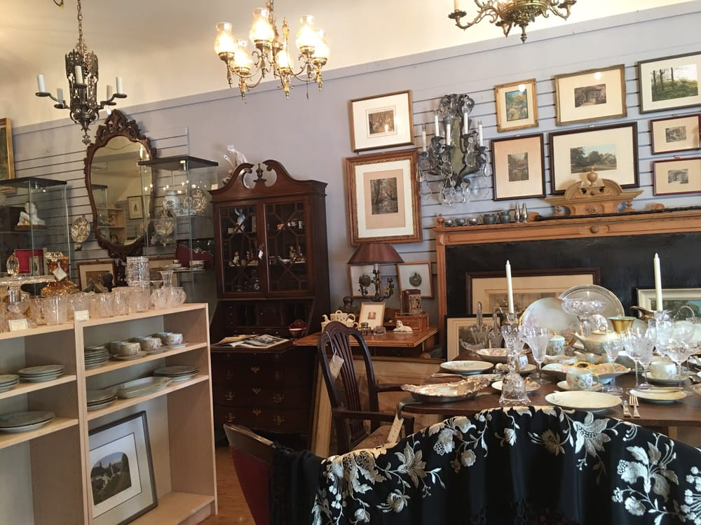 Lori Bilodeau Antiques & Collectibles: 237 N Keswick Ave, Glenside, PA