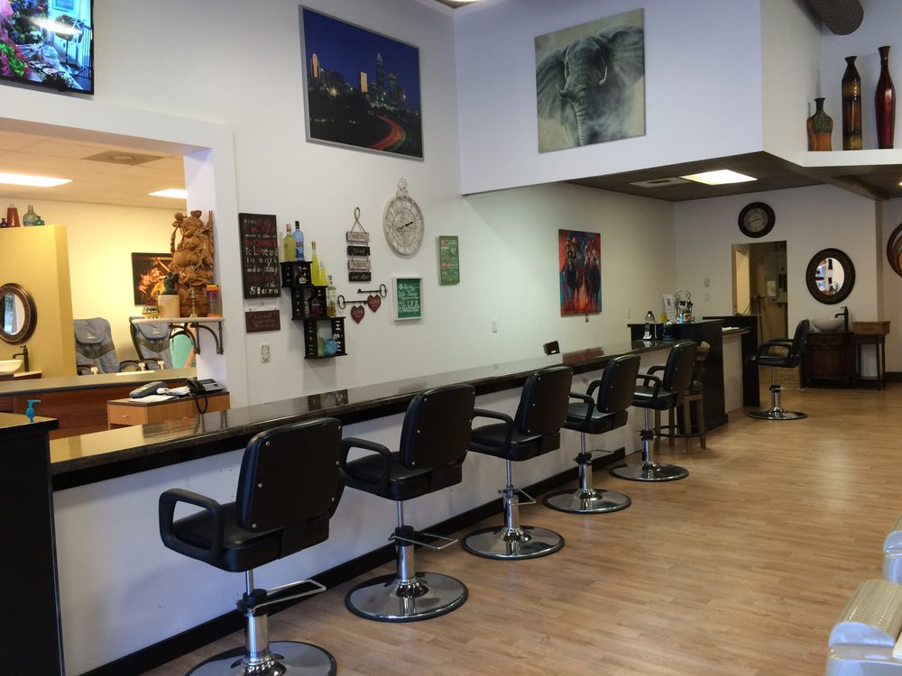 Classic Salon Nails & Spa: 4937 Charlotte Hwy, Lake Wylie, SC