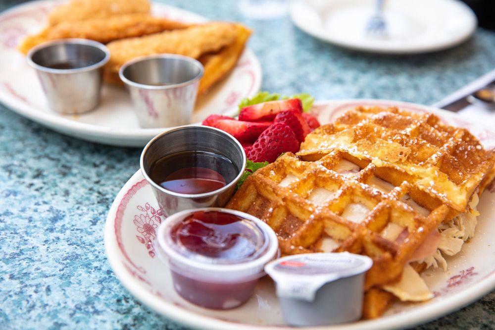 Belgian Waffle Works: 28200 Hwy 189, Lake Arrowhead, CA