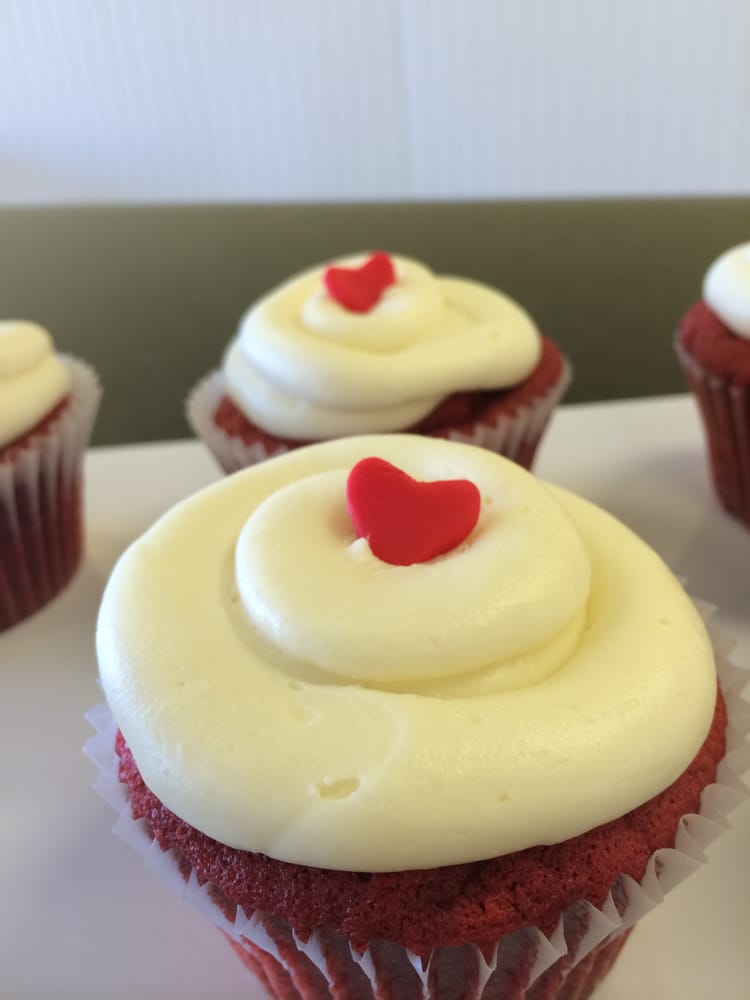 Sunshine Cupcake Bakery - 19 Photos & 29 Reviews - Cupcakes - 210 ...
