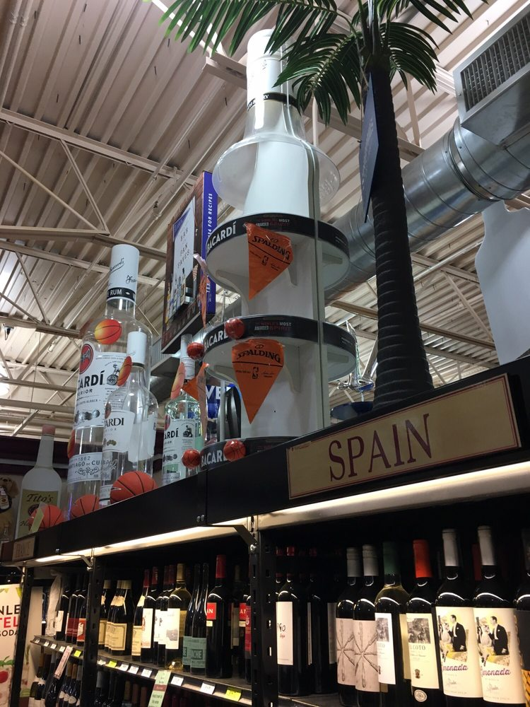 Social Spots from Wine Academy Super Store