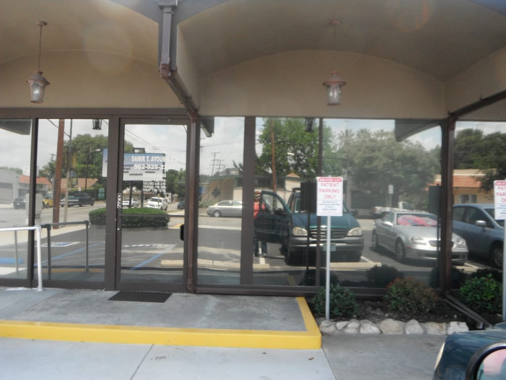 Samir T Ayoub, DDS: 16505 Clark Ave, Bellflower, CA