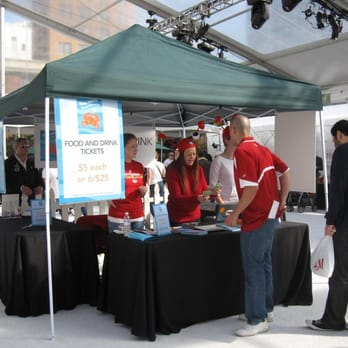 Annual Celebrity Crab Festival at Union Square Held ...