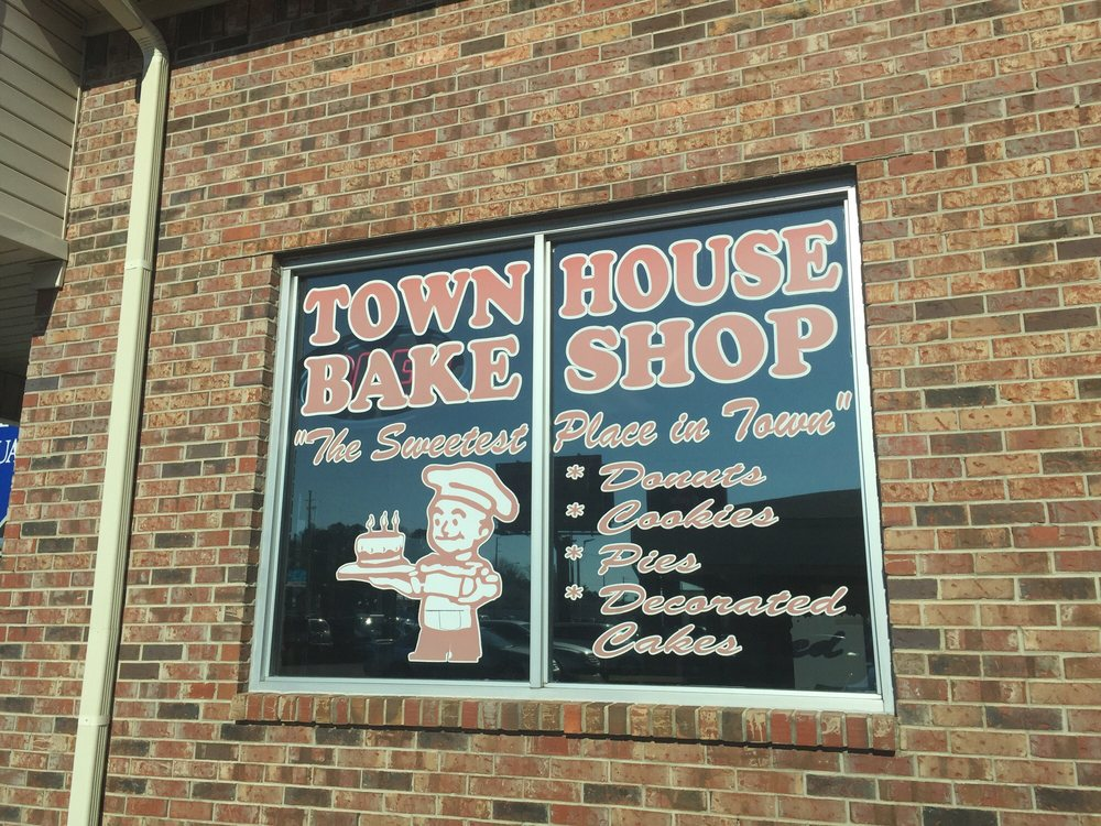 Town House Bake Shop: 2524 Keith St NW, Cleveland, TN
