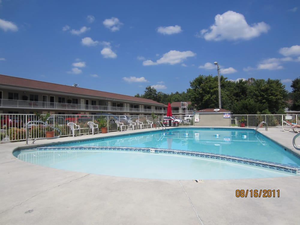 Maples Motor Inn Hotels 2959 Pkwy Pigeon Forge Tn United States Phone Number Yelp