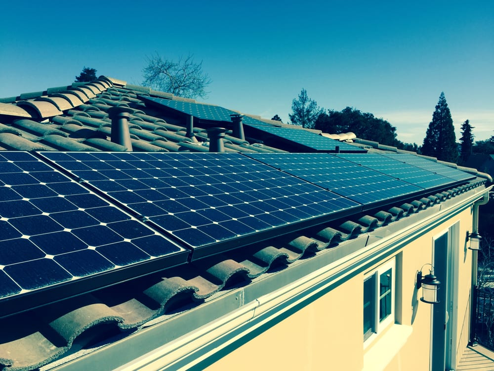 8 SunPower SPR‐E20‐327 panels facing 240 degrees south west