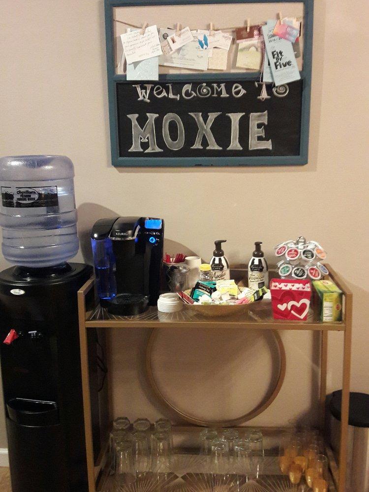 Moxie Salon: 25060 Ctr Ridge Rd, Westlake, OH