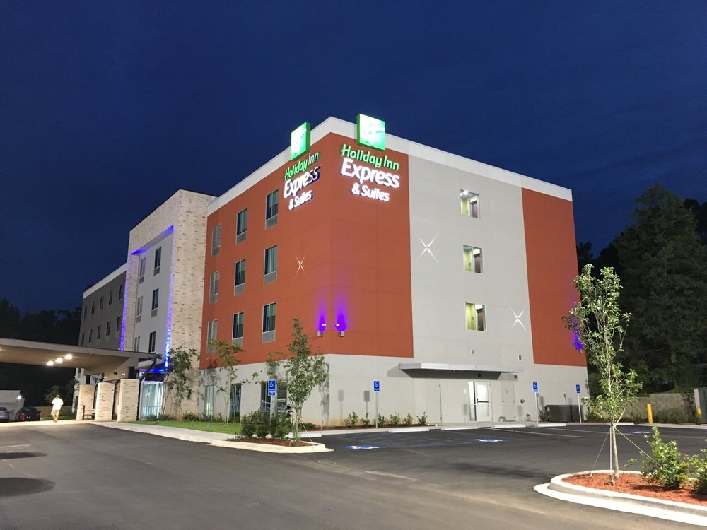 Holiday Inn Express & Suites Pineville - Alexandria