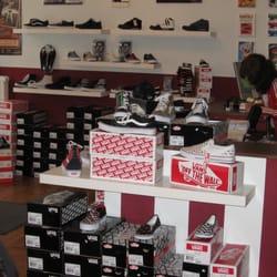 Suburbia Shoe Stores Wühlischstr 25 Friedrichshain Berlin