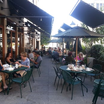Green Street Restaurant  S Shoppers Ln Pasadena Ca