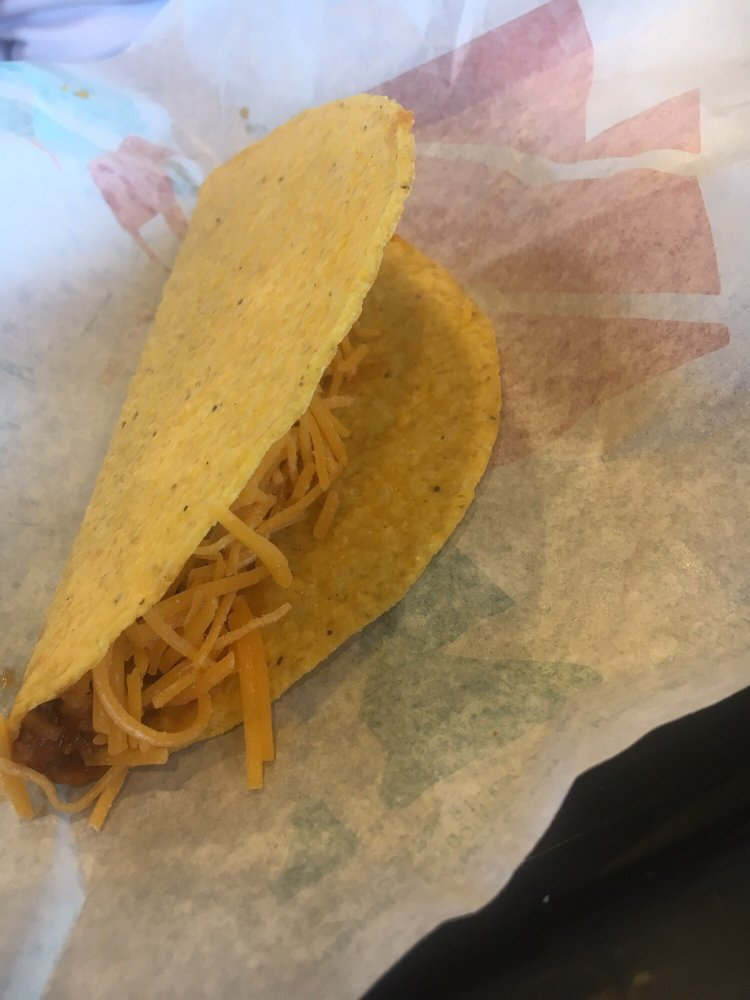 Taco Bell: 200 Park Plaza, New Albany, MS