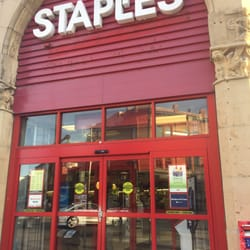 ontario canada. Staples Sites Get an answer from a Staples expert. Live Chat (Offline) Have a question? Click here to send us an email. Customer Service. Contact your customer service support team about products, services and more. Returns and Exchanges.