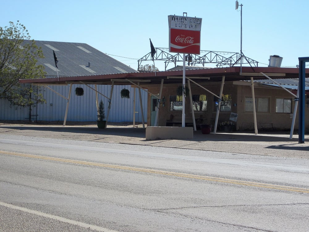 Dairy Bar: 221 E Commerce, Crowell, TX