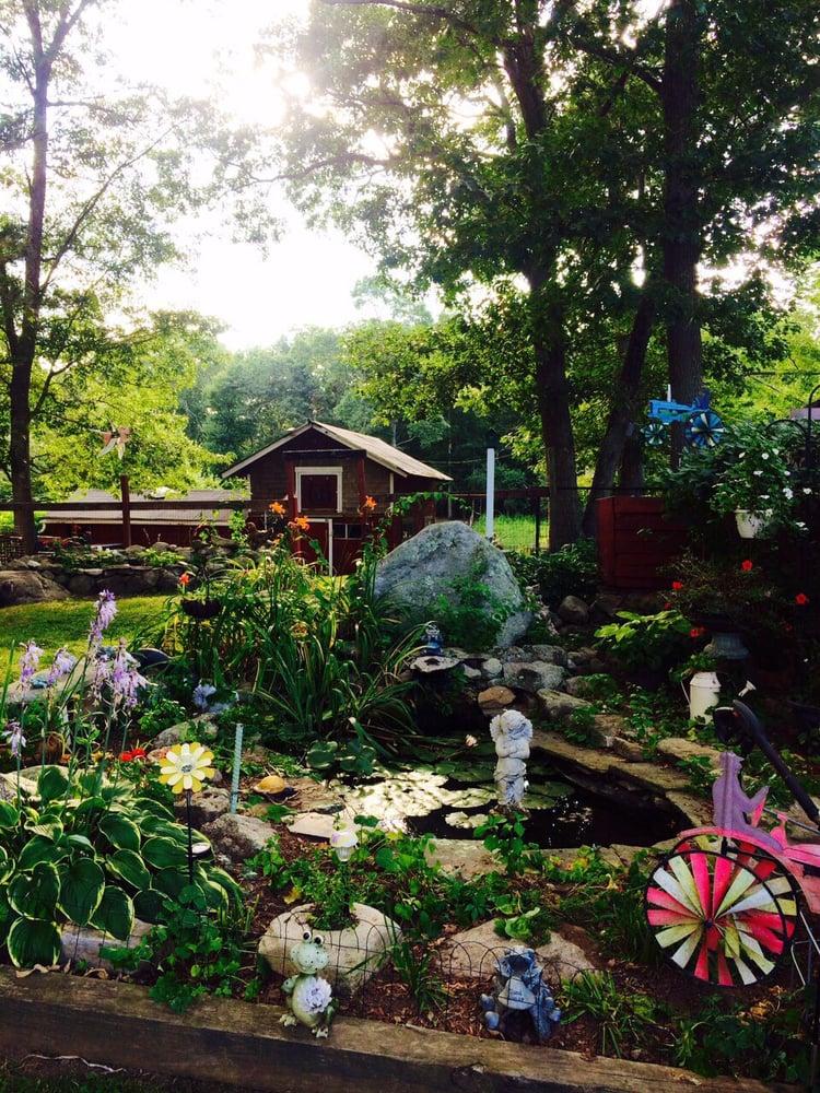 Red Fence Farm: 2 Daboll Rd, Groton, CT