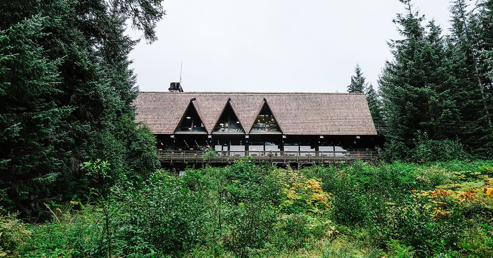 Glacier Bay Lodge: 179 Bartlett Cv, Gustavus, AK