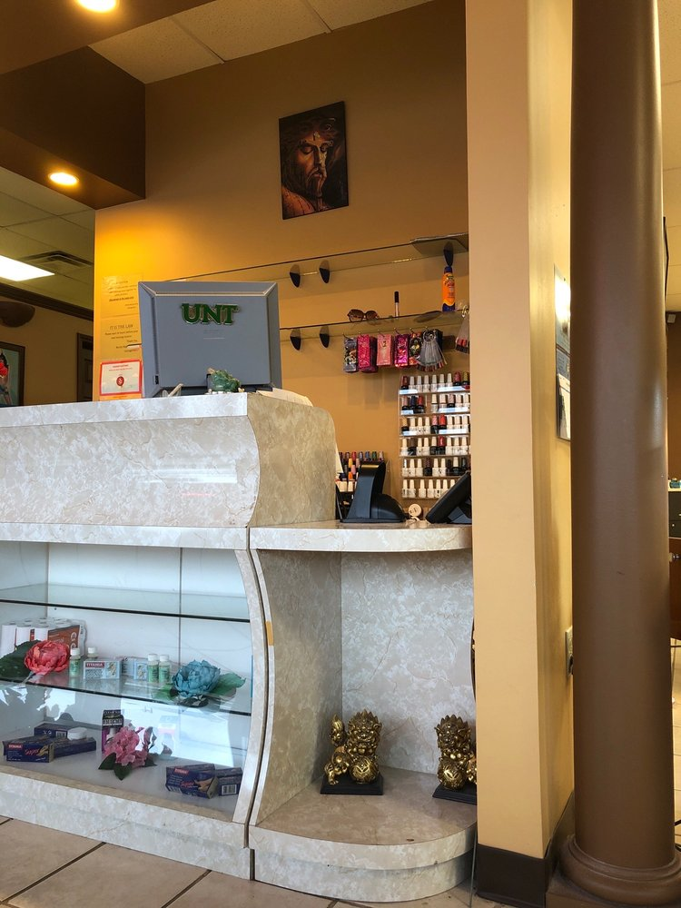 Bonita Nails And Tan: 1125 E University Dr, Denton, TX