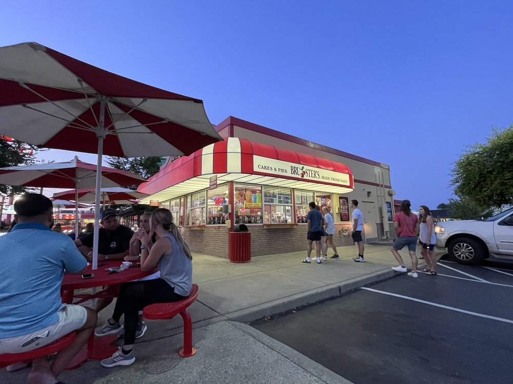 Bruster's Real Ice Cream: 2712 Scottsville Rd, Bowling Green, KY