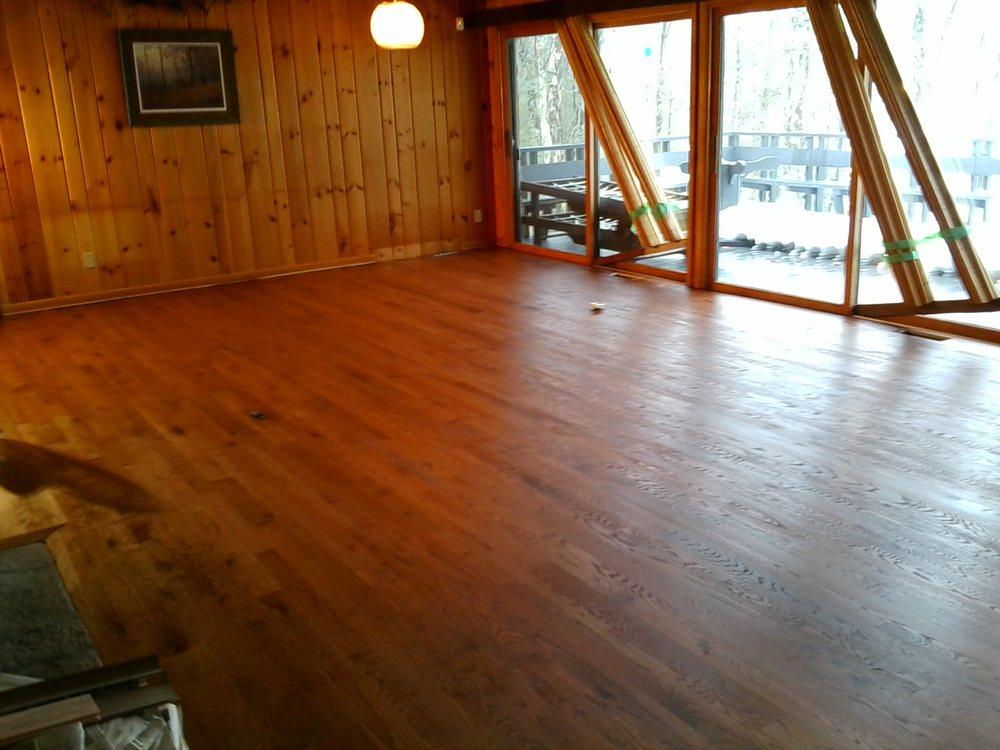 Vanderploeg Hardwood Floors: Cable, WI