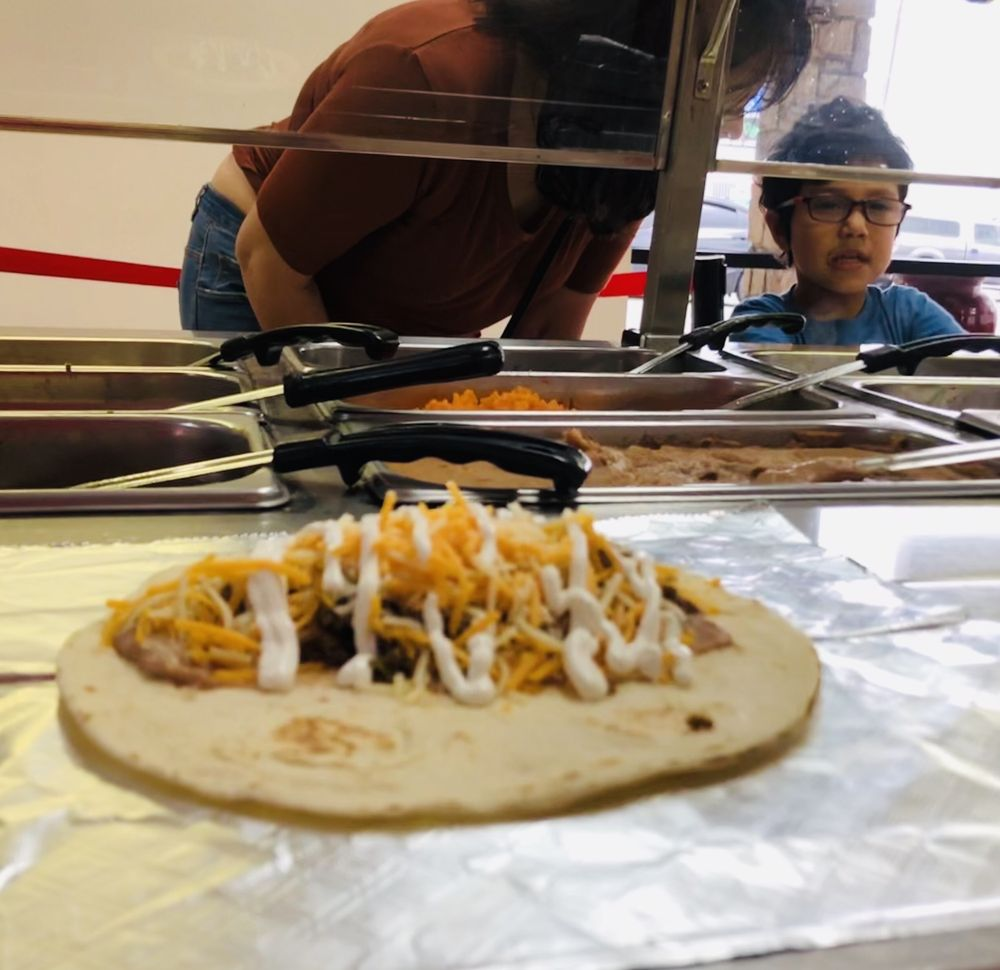 Chuspy's Burritos: 1802 US Hwy 281 N, Marble Falls, TX