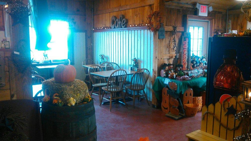Garden Barn: 351 East Rd, Fort Edward, NY