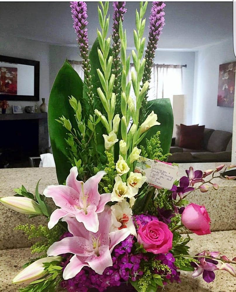 Get well soon bouquet for a dear friend arranged by canoga park photo of canoga park florist canoga park ca united states get well dhlflorist Images