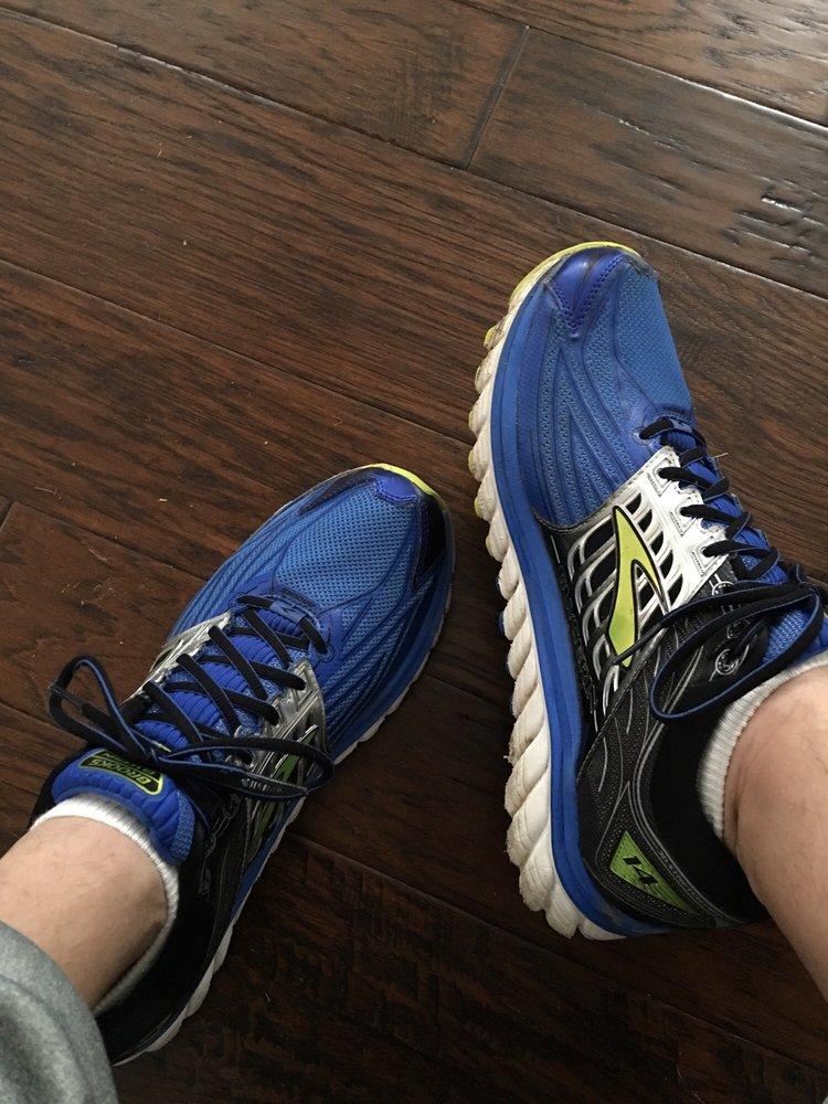 Fleet Feet: 11525 Cantrell Rd, Little Rock, AR
