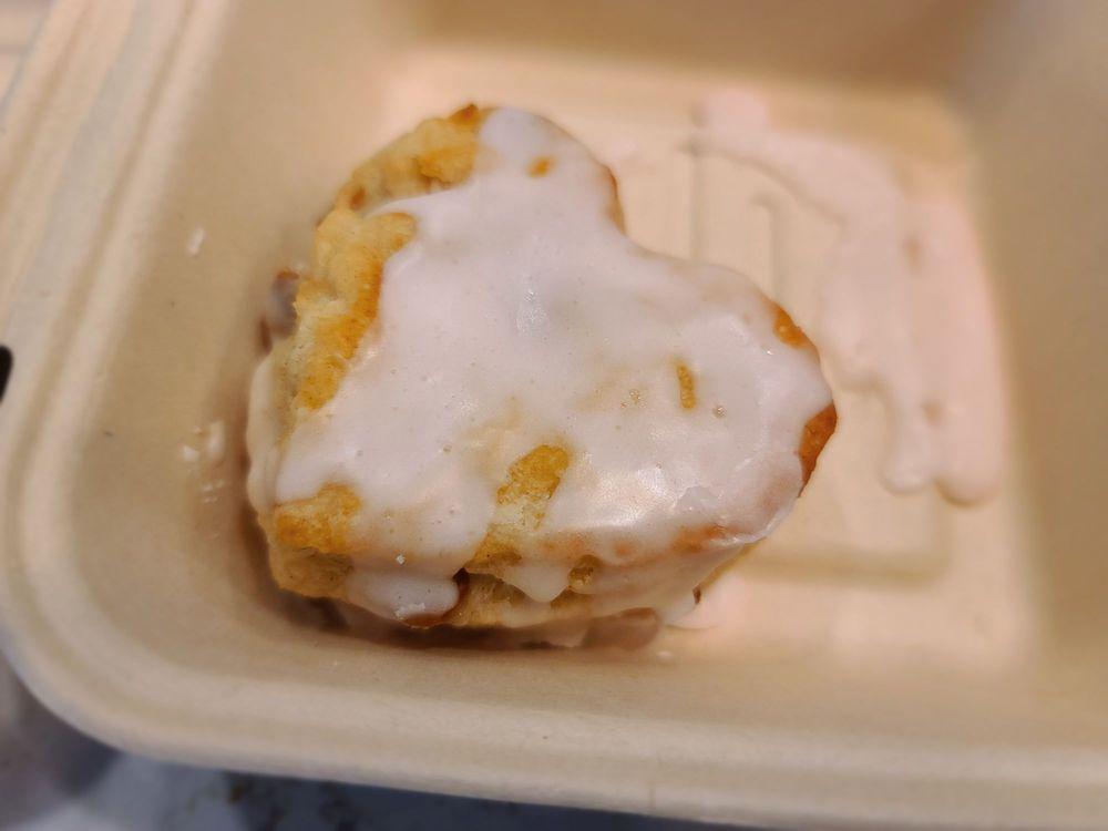 Maple Street Biscuit Company: 996 Johnnie Dodds Blvd, Mount Pleasant, SC