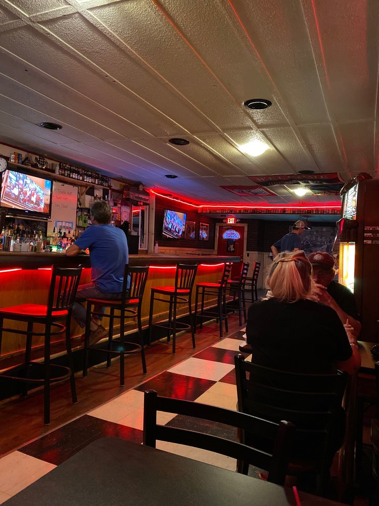 The Alley Bar & Grill: 223 S James St, Ludington, MI
