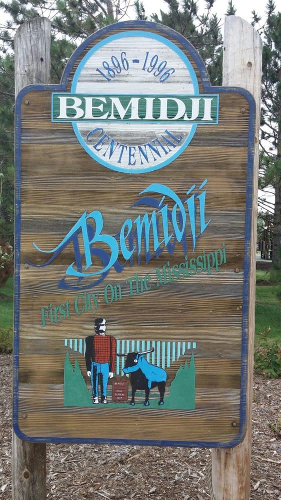 Paul Bunyan & Babe the Blue Ox, Roadside Attraction: 300 Bemidji Ave, Bemidji, MN
