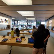 6c3ecd5f7 Apple Store - 64 Photos   169 Reviews - Computers - 2301 Kalakaua ...