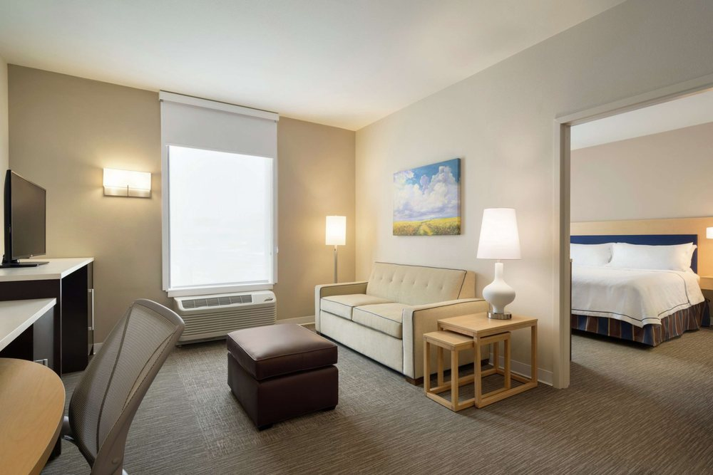 Home2 Suites by Hilton Leavenworth Downtown: 250 Delaware St, Leavenworth, KS