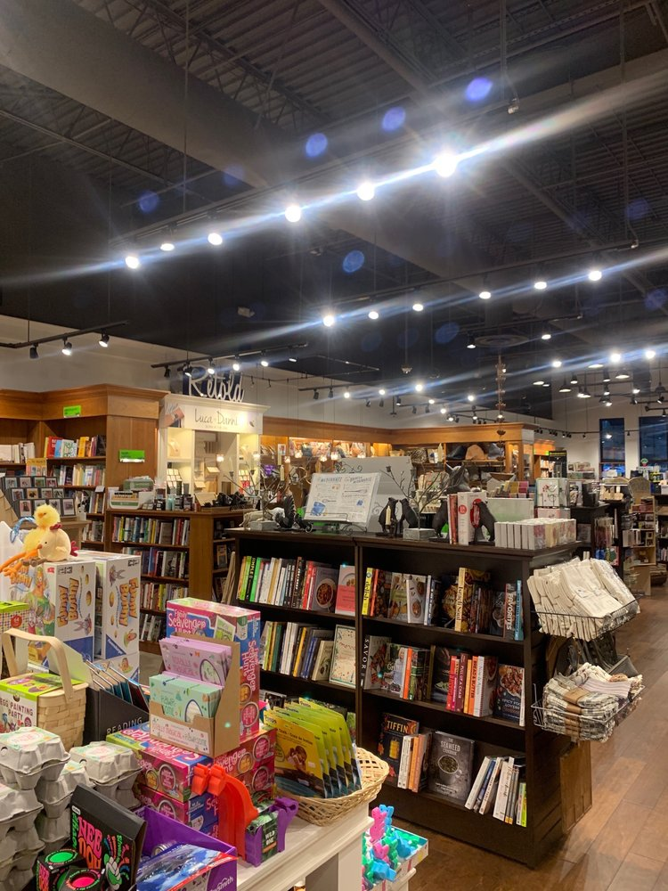 Barrington Books Retold: Garden City Ctr, Cranston, RI