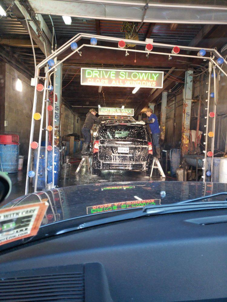 Flores Car Wash