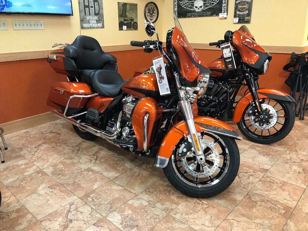 1st Capital Harley-Davidson: 100 Arsenal Rd, York, PA
